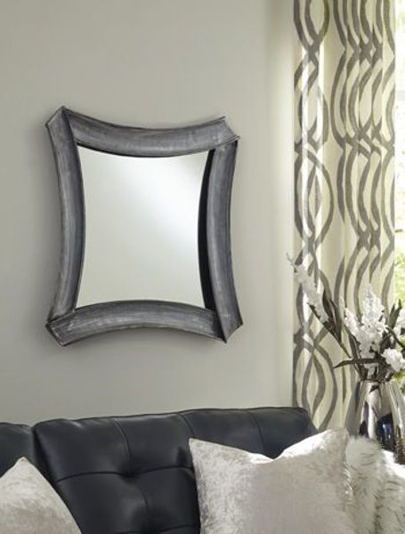 Picture of Accent Mirror/Posie