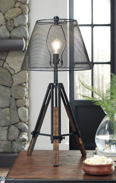 Picture of Metal Table Lamp (1/CN)/Leolyn