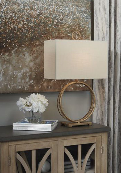 Picture of Metal Table Lamp (1/CN)/Mahala